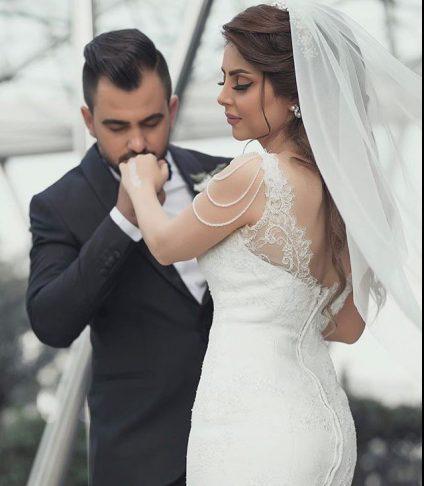 عکس مدل ژست عروس و داماد در آتلیه