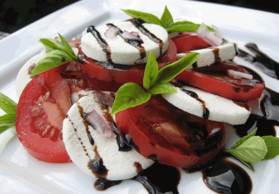 موزارلا و گوجه فرنگی