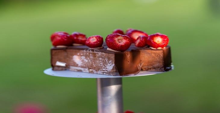 شکلات تلخ با توت فرنگی
