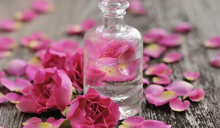 آیا گلاب باعث تیره و لک شدن پوست می شود؟